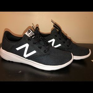 New Balance 210 size 8 sneakers